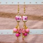 Antikk gylden øredobber med porselen perler med rose blomster