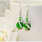 Sølv øredobber med grønne lampwork-perler