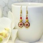 Øredobber med kinesiske røde og gylne perler