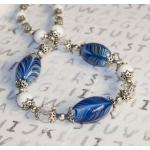 Sølv halssmykker med blå lampwork perler og hvit perler