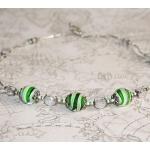 Sølv halssmykker med hvite og grønne lampwork-perler