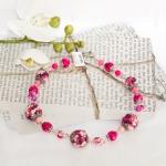 Sølv halssmykker med lilla og rosa heklede perler